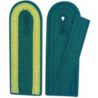Schulterklappen, mit 3 Seiten Tresse gold, Filz grün