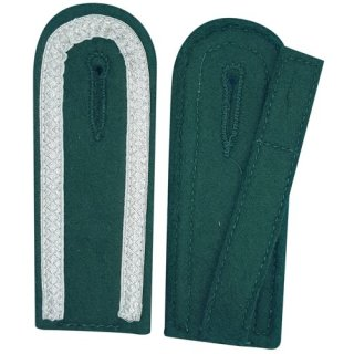 Schulterklappen, mit 3 Seiten Tresse silber, Filz